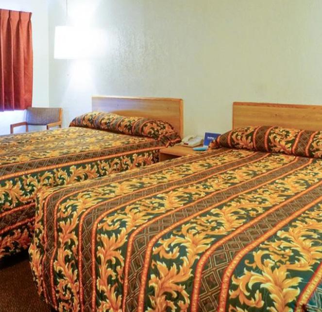 E-Z 8 Motel San Jose I Guest Room