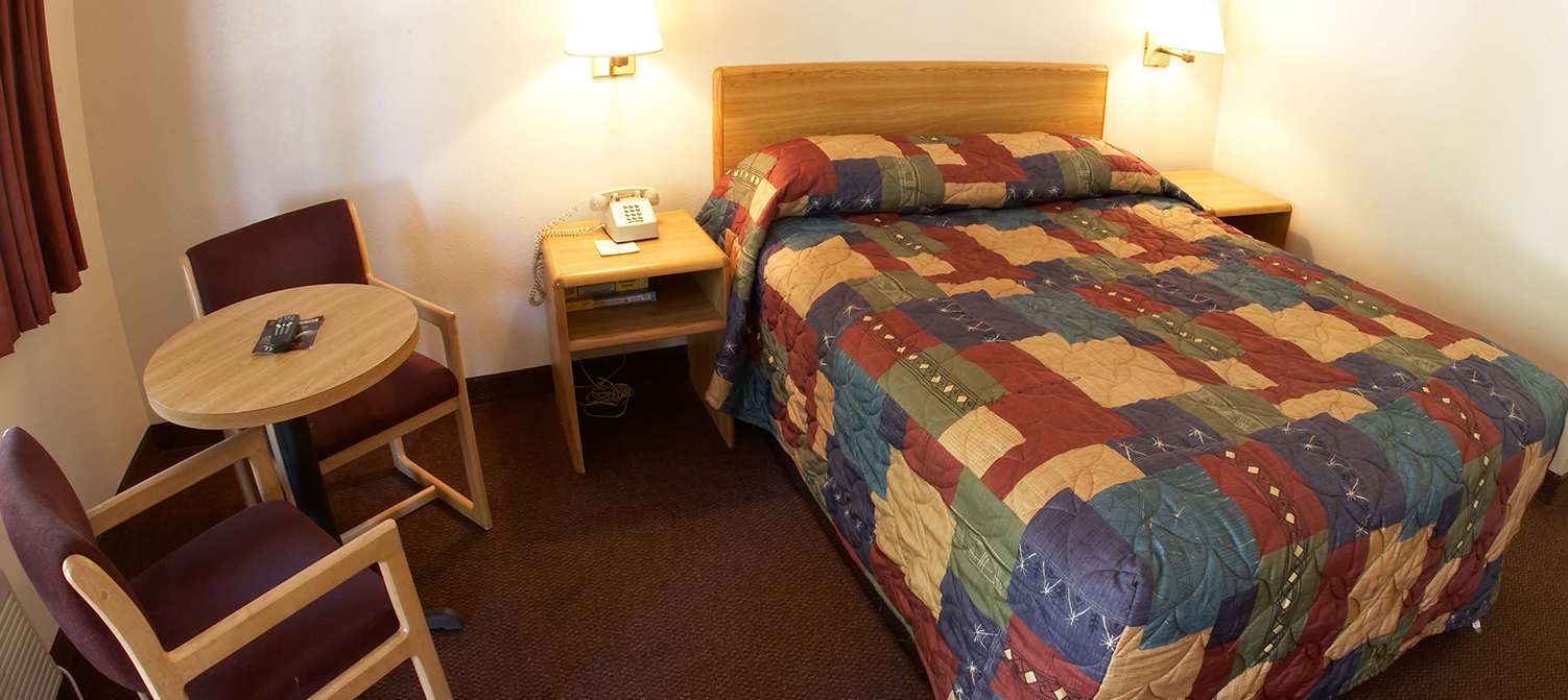THE E-Z 8 MOTEL SAN JOSE I IS A TOP-RANKED BUDGET HOTEL IN SAN JOSE EXPERIENCE CLEAN AND COMFORTABLE LODGING AT AFFORDABLE RATES