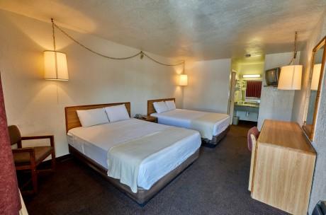 Welcome To EZ 8 San Jose 1 - 2 Queen Beds