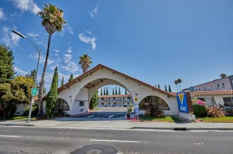 Welcome To EZ 8 San Jose 1 - Exterior View